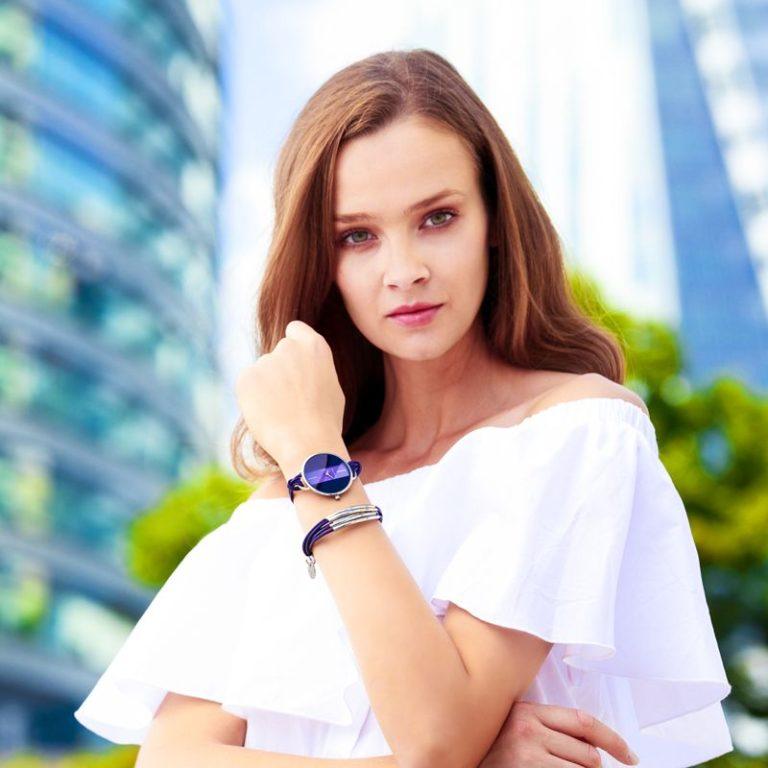 Đồng hồ kèm lắc tay Eixa