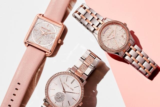 Quà tặng sinh nhật cho bạn gái, có nên mua đồng hồ?